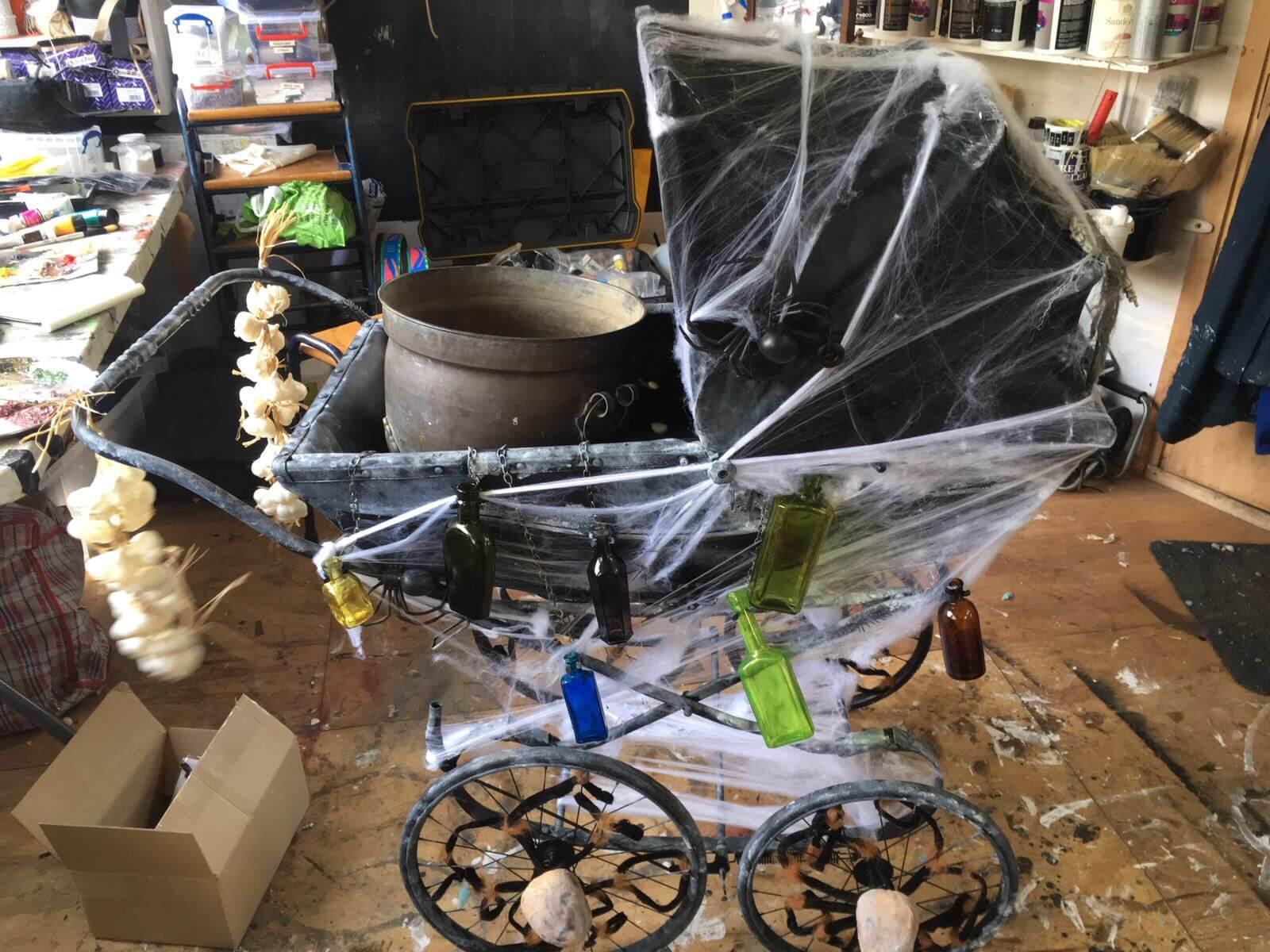 Cobweb pram